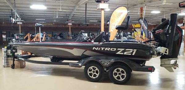 2021 Nitro boat for sale, model of the boat is Z21 & Image # 2 of 22