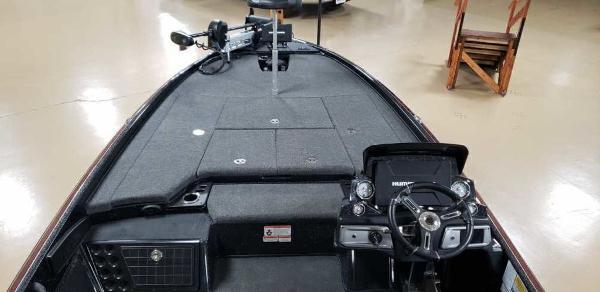 2021 Nitro boat for sale, model of the boat is Z21 & Image # 14 of 22
