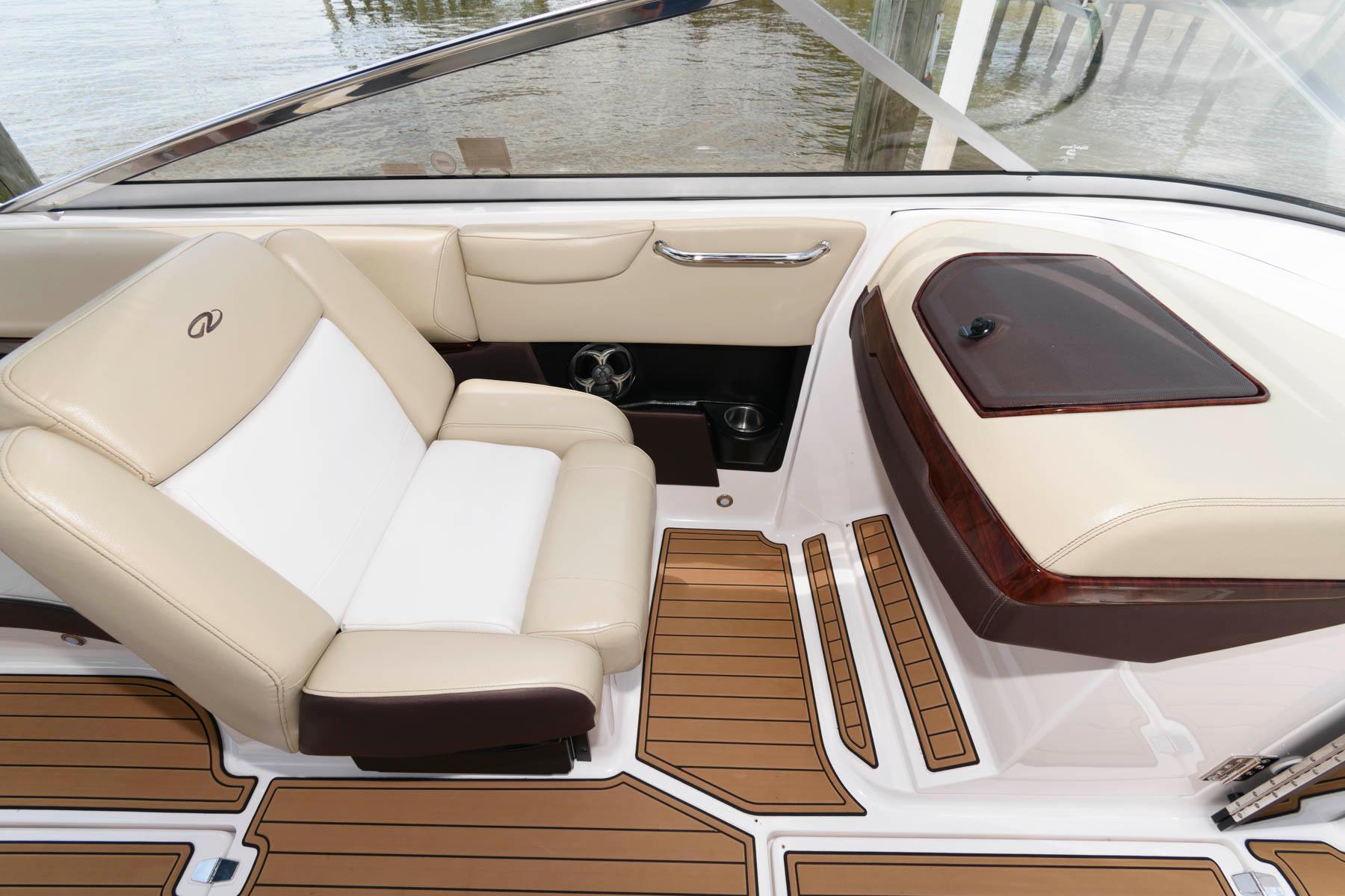 M 6150 JB Knot 10 Yacht Sales