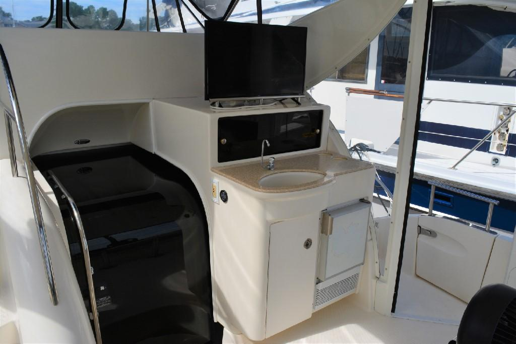Meridian 459 Motoryacht - Wet Bar w Smart TV