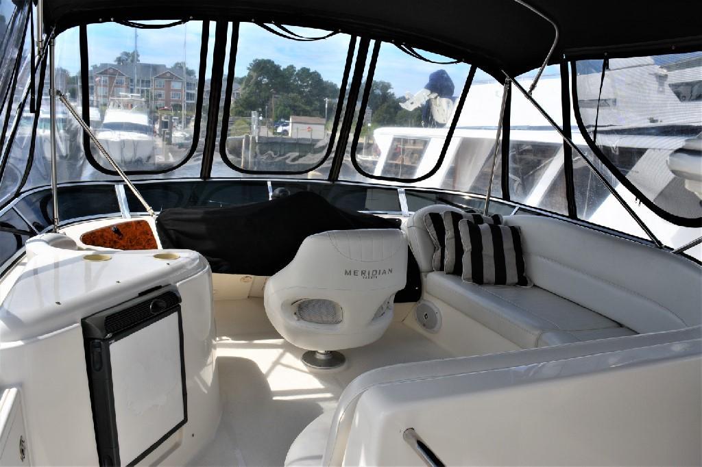 Meridian 459 Motoryacht - Bridge Deck