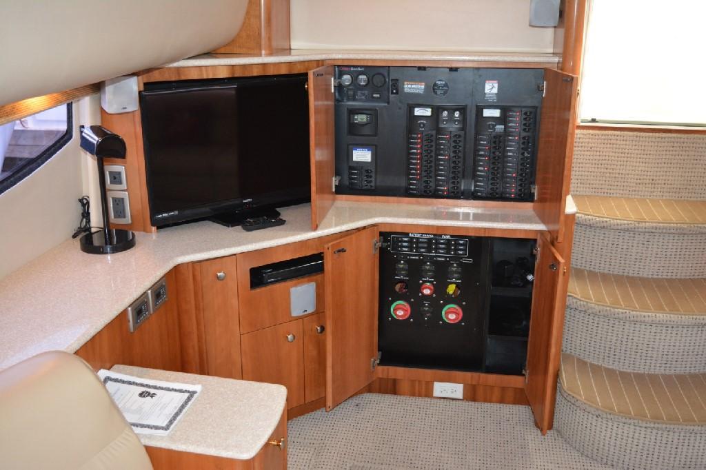 Meridian 459 Motoryacht - Electrical Panels