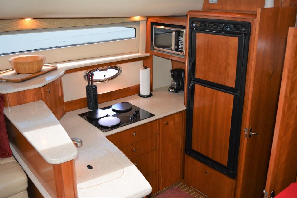 Meridian 459 Motoryacht - Galley