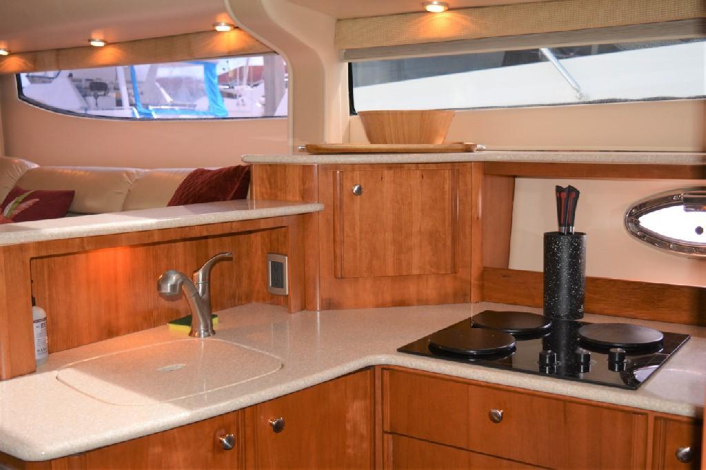 Meridian 459 Motoryacht - Galley 2