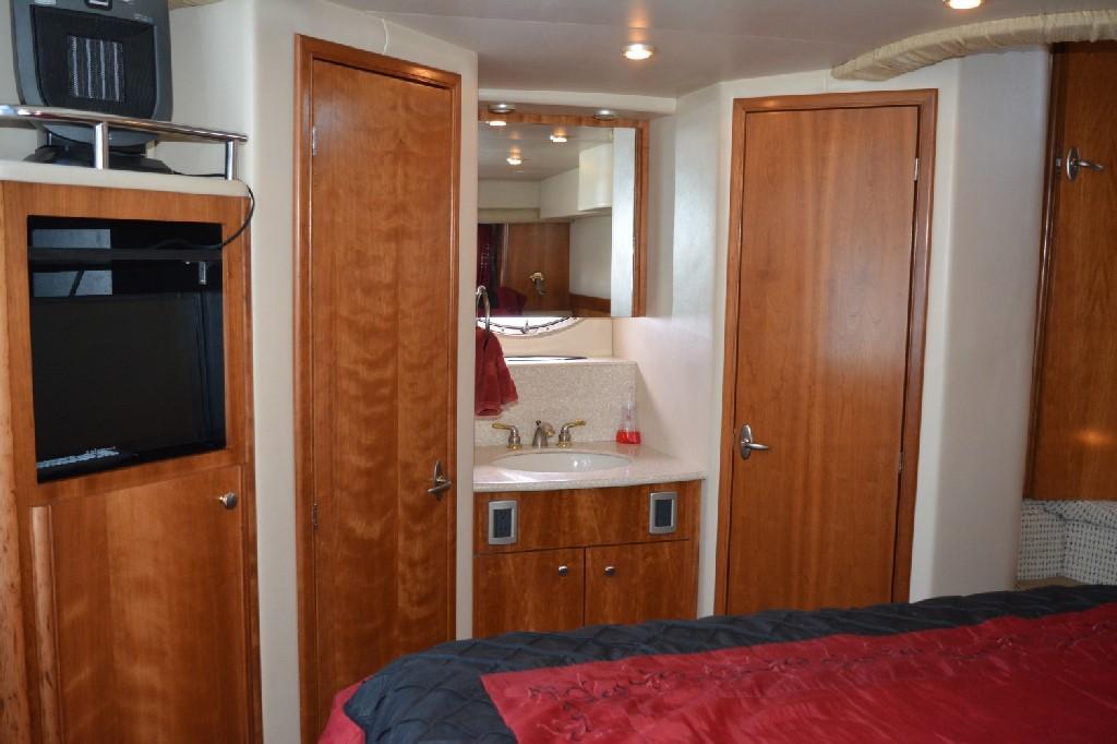 Meridian 459 Motoryacht - Master Vanity
