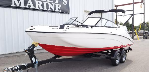 2021 Yamaha boat for sale, model of the boat is SX210 & Image # 2 of 12