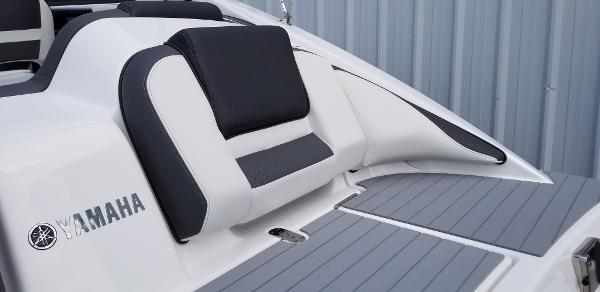 2021 Yamaha boat for sale, model of the boat is SX210 & Image # 5 of 12