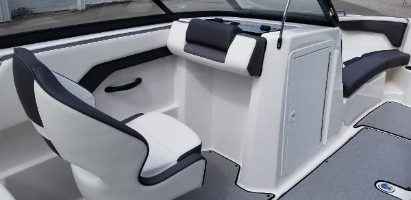 2021 Yamaha boat for sale, model of the boat is SX210 & Image # 7 of 12
