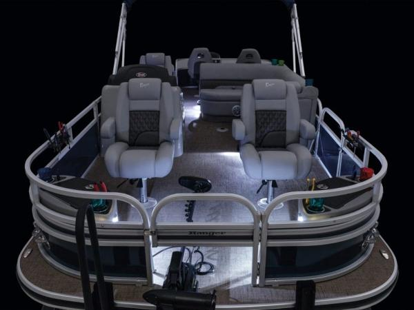 2021 Ranger Boats boat for sale, model of the boat is 220F & Image # 9 of 27