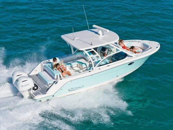 2021 Robalo boat for sale, model of the boat is R317 & Image # 1 of 1