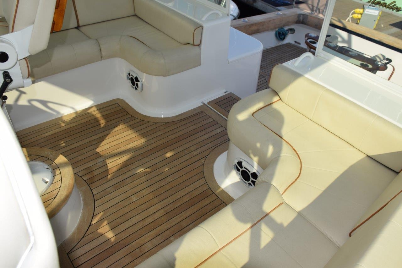 Helm Deck lounges