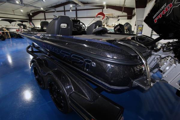 2020 Nitro boat for sale, model of the boat is Z21 Pro & Image # 6 of 22