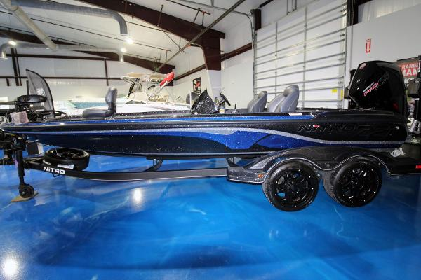 2020 Nitro boat for sale, model of the boat is Z21 Pro & Image # 4 of 22