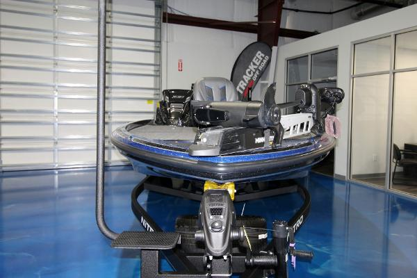 2020 Nitro boat for sale, model of the boat is Z21 Pro & Image # 7 of 22