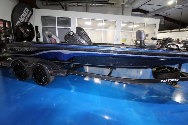 2020 Nitro boat for sale, model of the boat is Z21 Pro & Image # 3 of 22