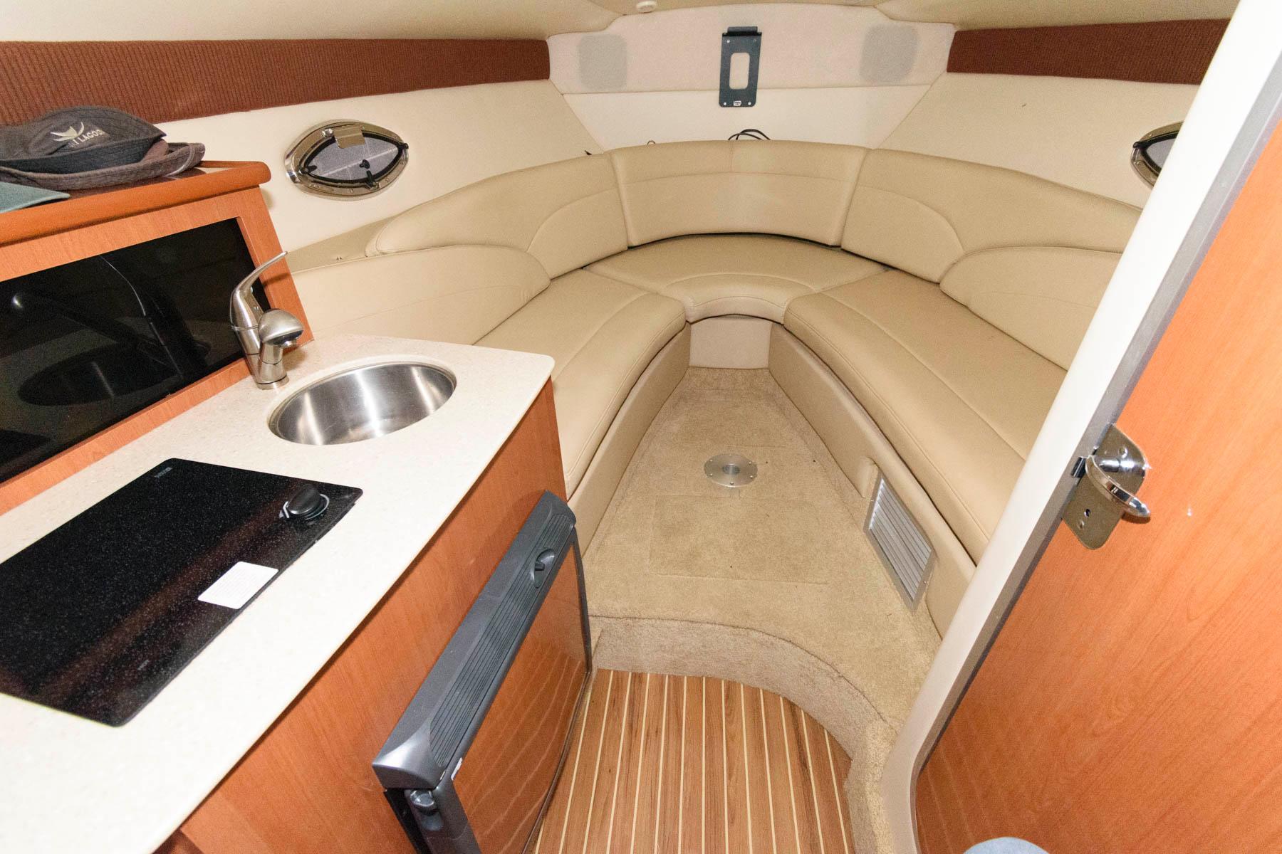 M 6030 VR Knot 10 Yacht Sales