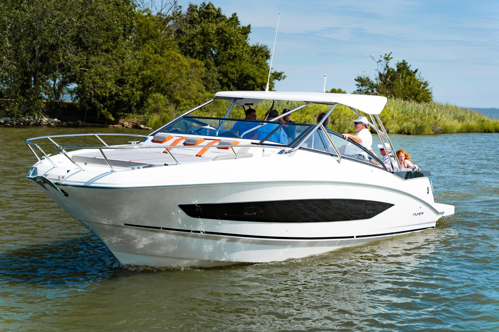 Beneteau Flyer 10 - In Stock