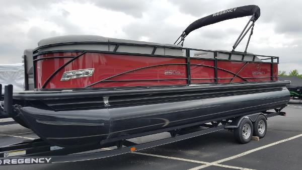2019 Regency boat for sale, model of the boat is 250 DL3 & Image # 3 of 20