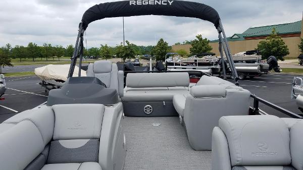2019 Regency boat for sale, model of the boat is 250 DL3 & Image # 4 of 20