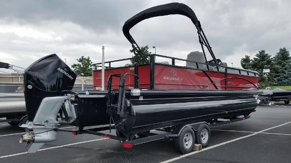 2019 Regency boat for sale, model of the boat is 250 DL3 & Image # 9 of 20
