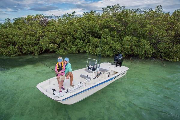 2022 Mako boat for sale, model of the boat is Pro Skiff 17 CC & Image # 5 of 22
