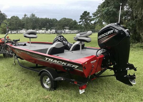 2018 Tracker Boats boat for sale, model of the boat is Pro Team 175 TXW 40th Anniversary Edition & Image # 2 of 12