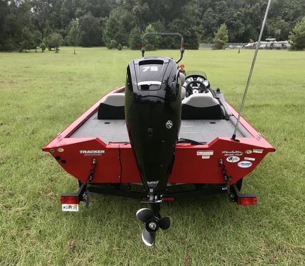 2018 Tracker Boats boat for sale, model of the boat is Pro Team 175 TXW 40th Anniversary Edition & Image # 3 of 12