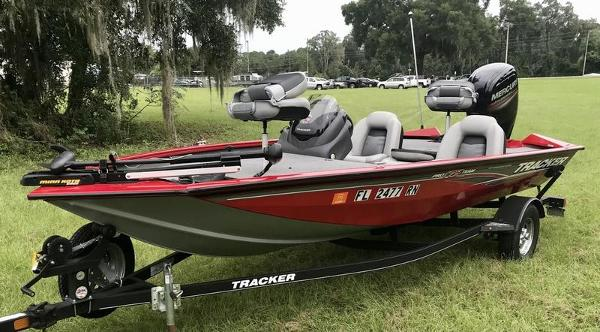 2018 Tracker Boats boat for sale, model of the boat is Pro Team 175 TXW 40th Anniversary Edition & Image # 8 of 12