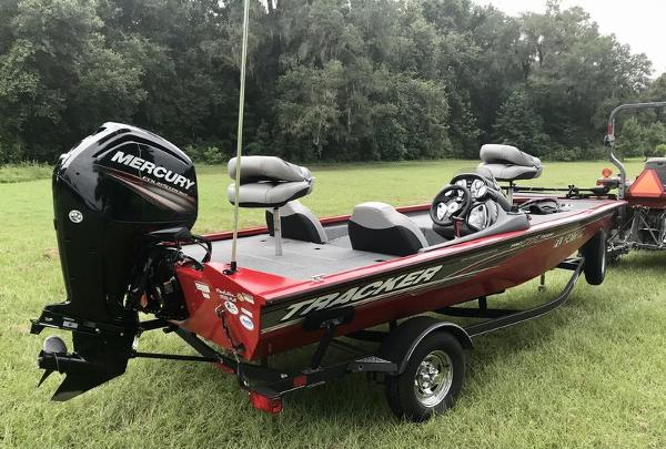 2018 Tracker Boats boat for sale, model of the boat is Pro Team 175 TXW 40th Anniversary Edition & Image # 9 of 12