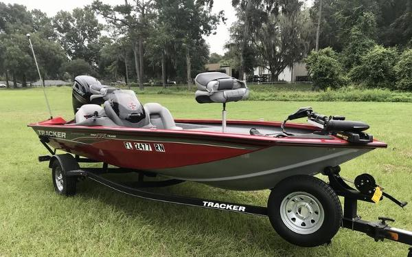 2018 Tracker Boats boat for sale, model of the boat is Pro Team 175 TXW 40th Anniversary Edition & Image # 11 of 12