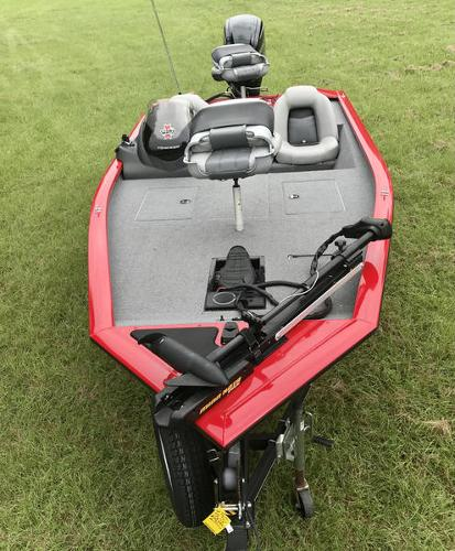2018 Tracker Boats boat for sale, model of the boat is Pro Team 175 TXW 40th Anniversary Edition & Image # 12 of 12