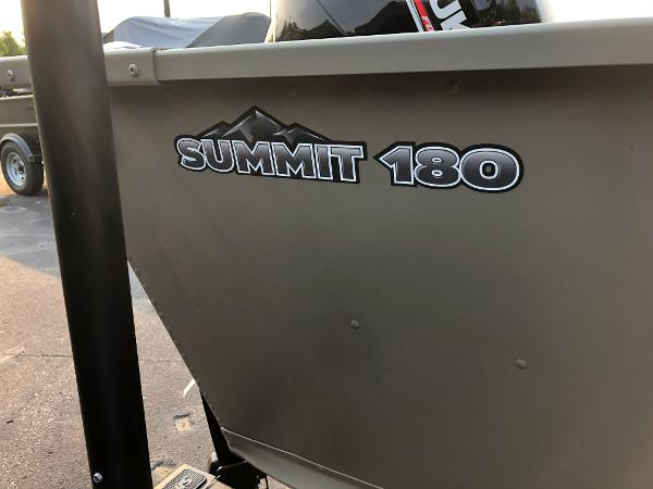 2021 Alumacraft boat for sale, model of the boat is Summit 180 & Image # 5 of 17