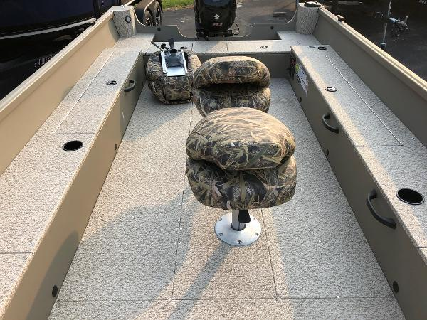 2021 Alumacraft boat for sale, model of the boat is Summit 180 & Image # 8 of 17