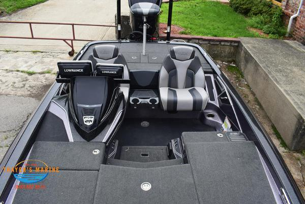 2018 Skeeter boat for sale, model of the boat is FX21 & Image # 14 of 49