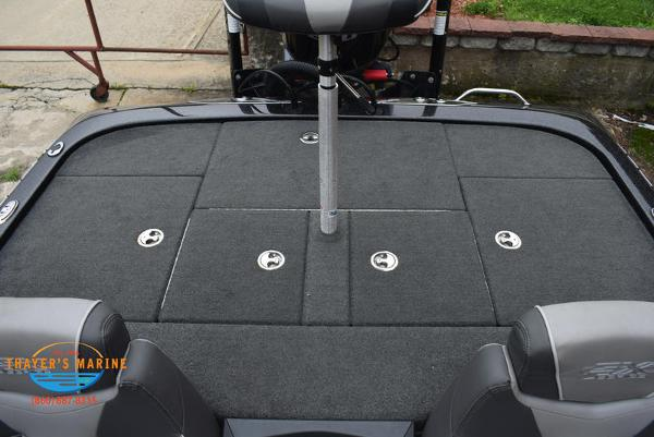 2018 Skeeter boat for sale, model of the boat is FX21 & Image # 16 of 49