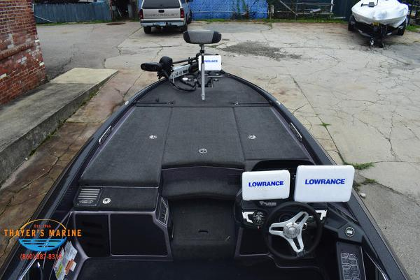2018 Skeeter boat for sale, model of the boat is FX21 & Image # 38 of 49