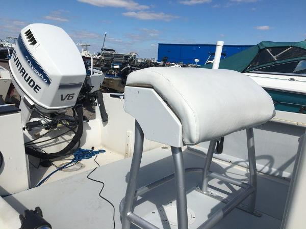 1989 Wellcraft boat for sale, model of the boat is 1710 & Image # 2 of 8