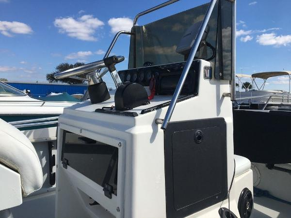 1989 Wellcraft boat for sale, model of the boat is 1710 & Image # 5 of 8