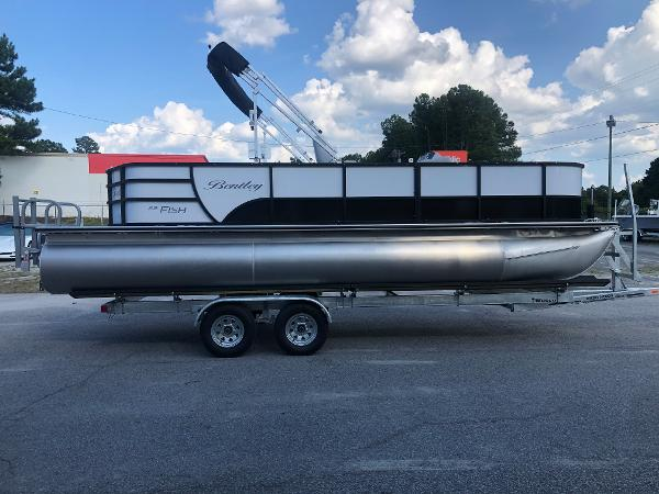 2021 Bentley boat for sale, model of the boat is 220 Fish & Image # 4 of 26
