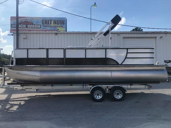 2021 Bentley boat for sale, model of the boat is 220 Fish & Image # 7 of 26