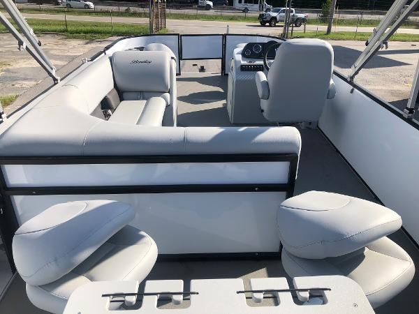2021 Bentley boat for sale, model of the boat is 220 Fish & Image # 9 of 26