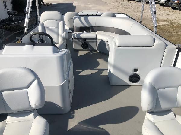 2021 Bentley boat for sale, model of the boat is 220 Fish & Image # 10 of 26
