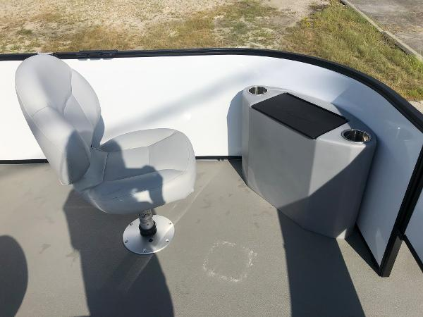 2021 Bentley boat for sale, model of the boat is 220 Fish & Image # 13 of 26