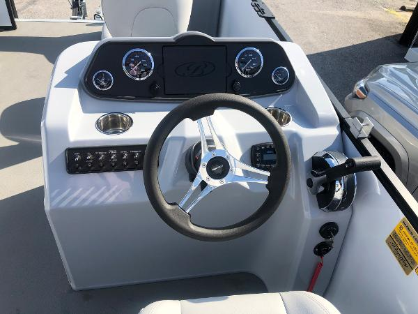 2021 Bentley boat for sale, model of the boat is 220 Fish & Image # 17 of 26