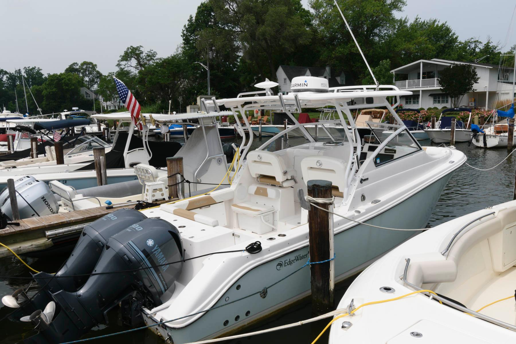M 6267 RD Knot 10 Yacht Sales