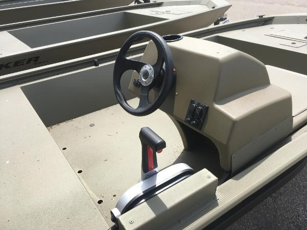 2020 Tracker Boats boat for sale, model of the boat is Grizzly 1648 SC & Image # 7 of 35