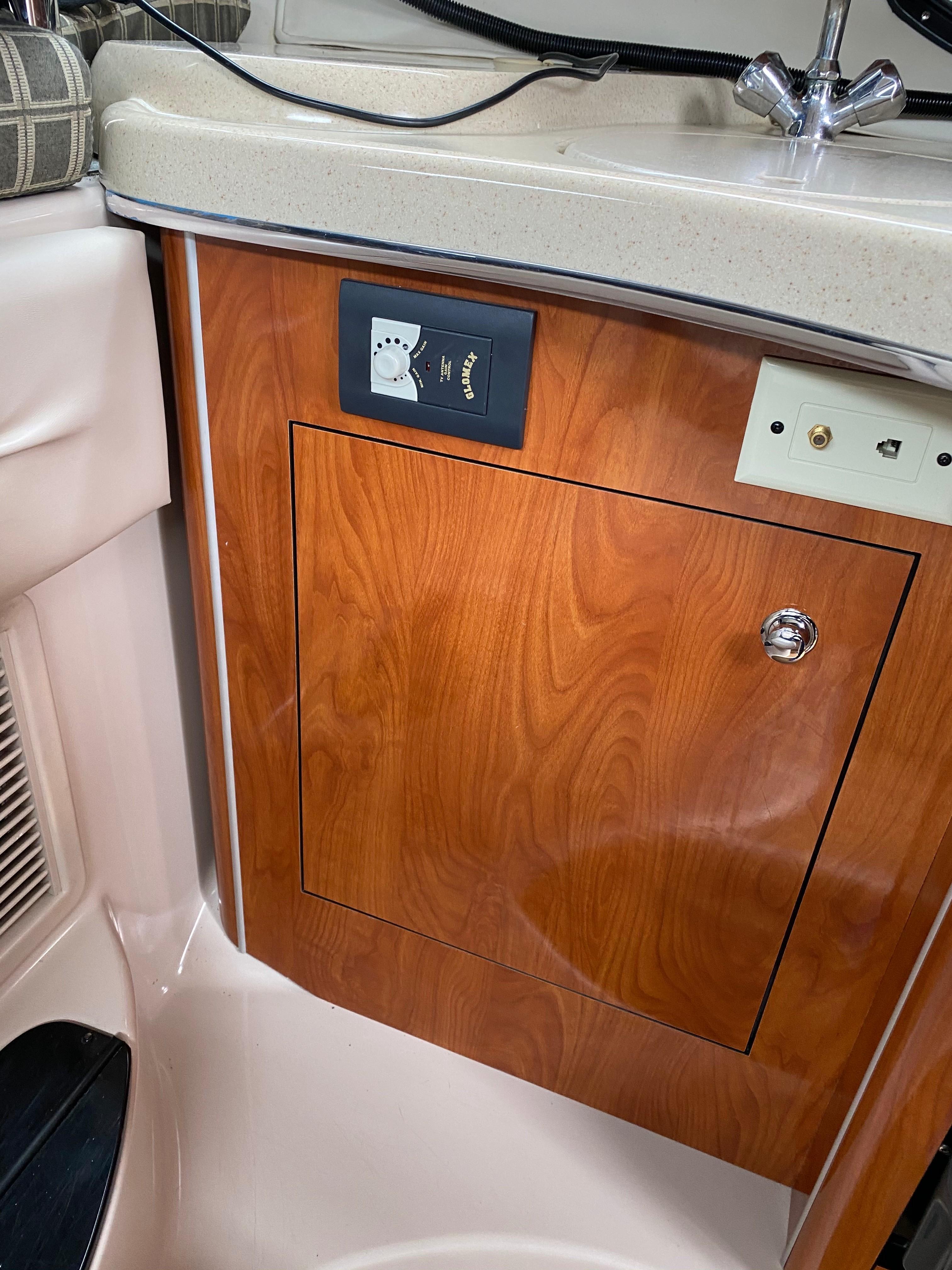 NY 6187 LK Knot 10 Yacht Sales