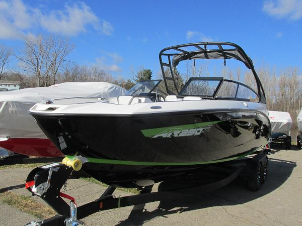 2021 Yamaha boat for sale, model of the boat is AR 250 & Image # 2 of 41