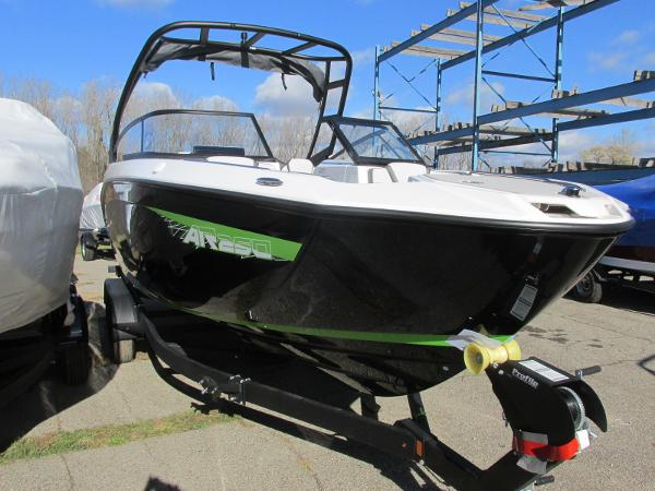 2021 Yamaha boat for sale, model of the boat is AR 250 & Image # 3 of 41