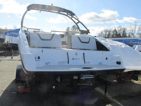 2021 Yamaha boat for sale, model of the boat is AR 250 & Image # 5 of 41